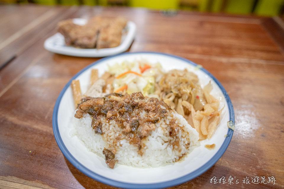 玉林雞腿大王最受歡迎的人氣雞腿飯