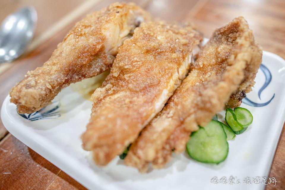 玉林雞腿大王的炸雞腿不只外皮酥脆、肉質也鮮嫩多汁