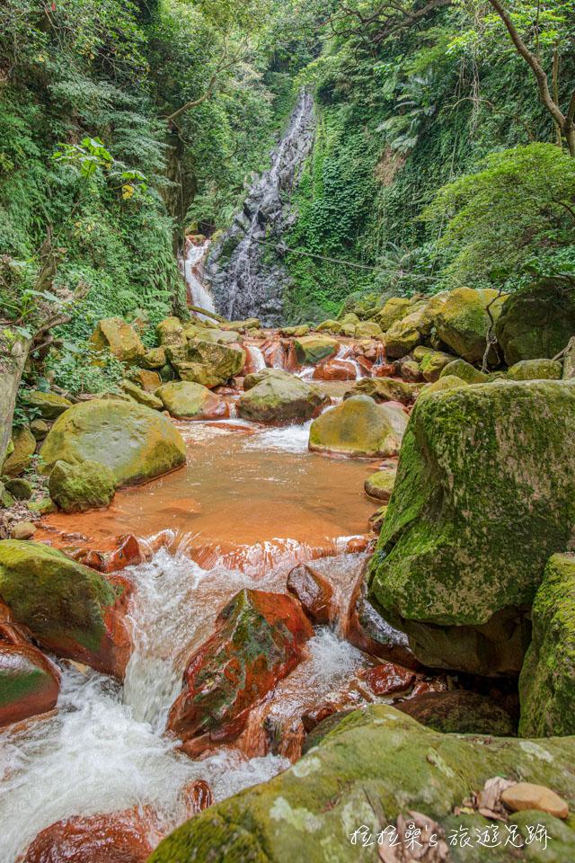 遊天母古道能順道造訪景緻秀麗的翠峰瀑布