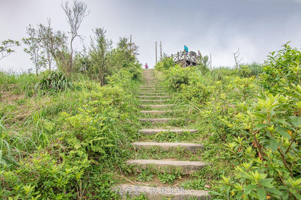 基隆姜子寮山步道最後的0.2k視野逐漸開闊