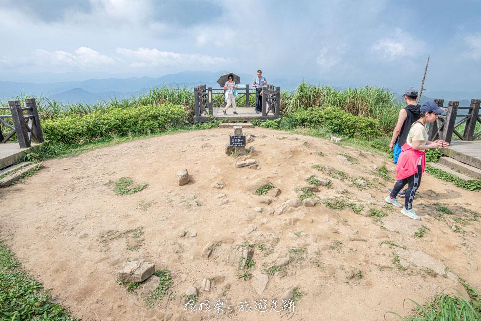 基隆姜子寮山山頂的四座景觀平台
