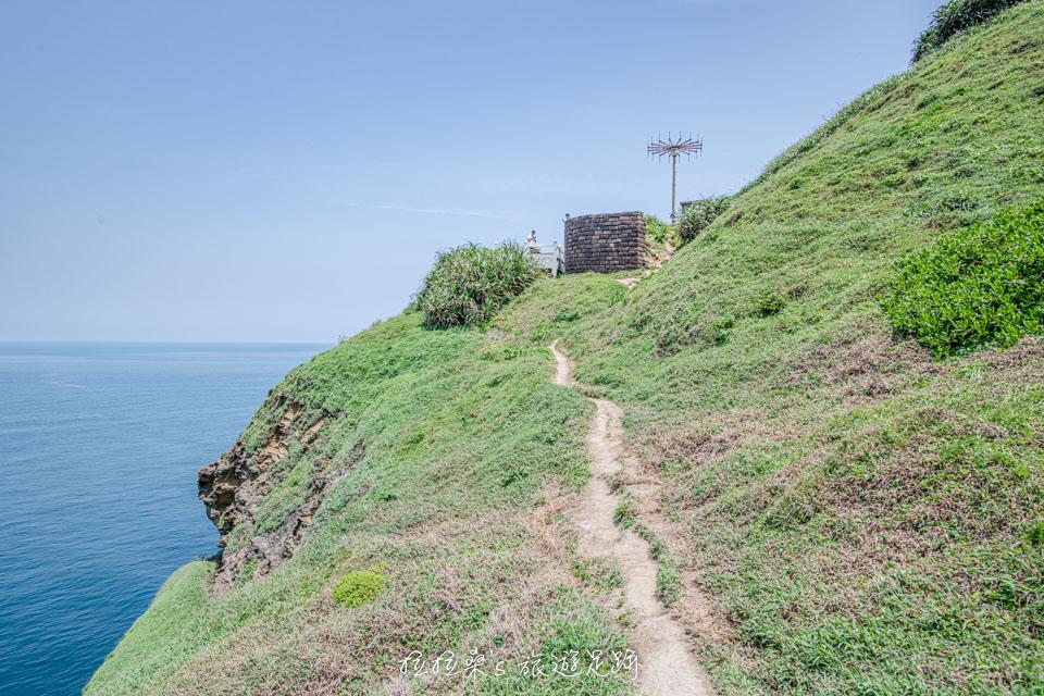 鼻頭角秘境步道會接到已封閉的燈塔線步道