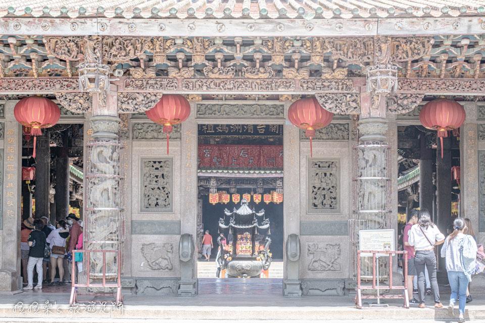 鹿港老街附近的鹿港天后宮至今已有400多年的歷史