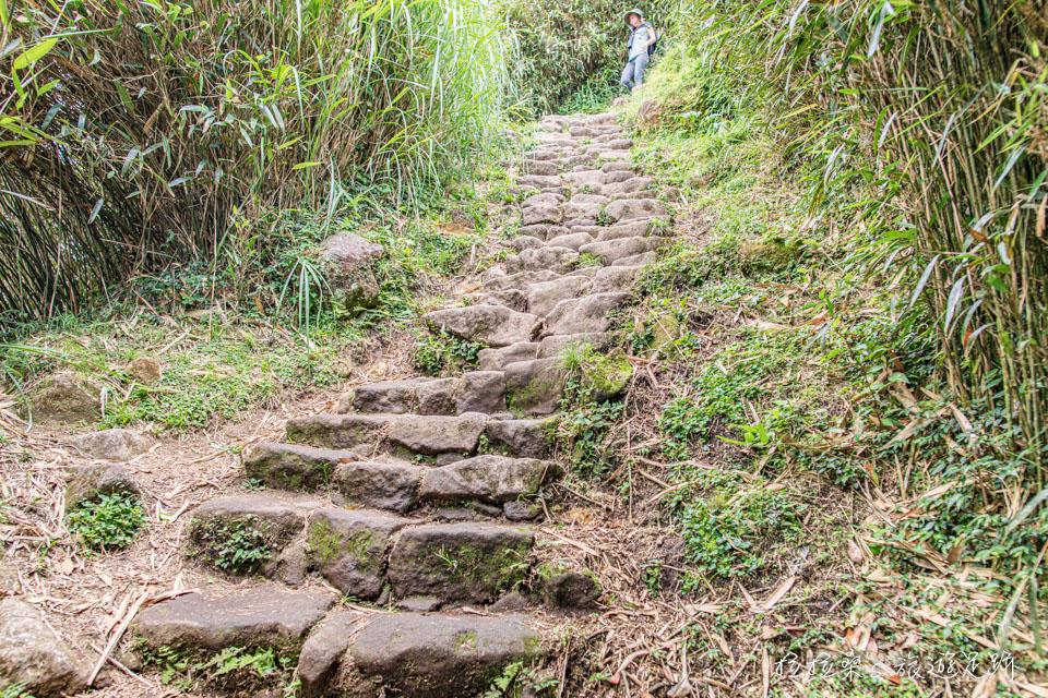 從小油坑登七星山是最簡單輕鬆的路線