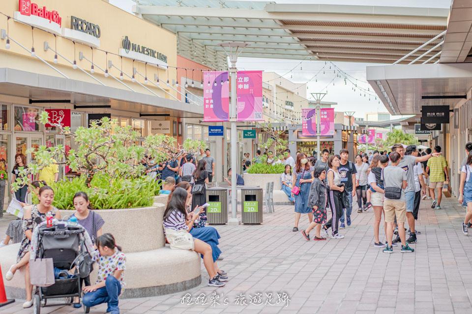 桃園華泰名品城Outlet,適合親子同遊的美式露天購物商場,搭高鐵、機捷就能輕鬆抵達