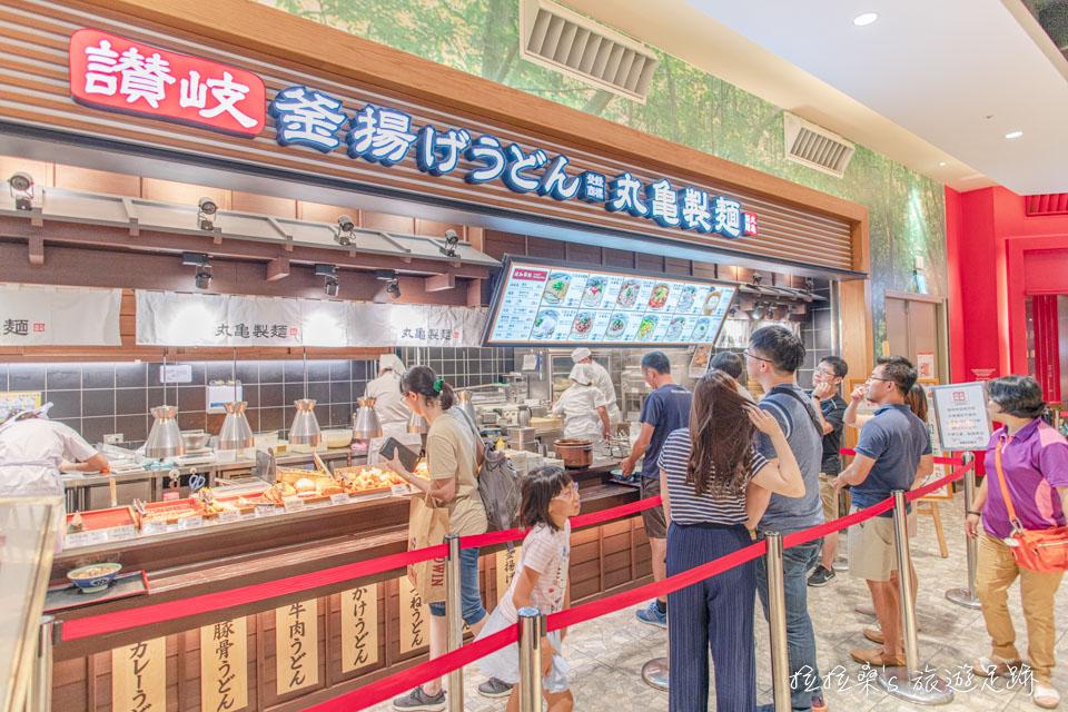 台中麗寶Outle一期的美食街不只漂亮,選擇也多
