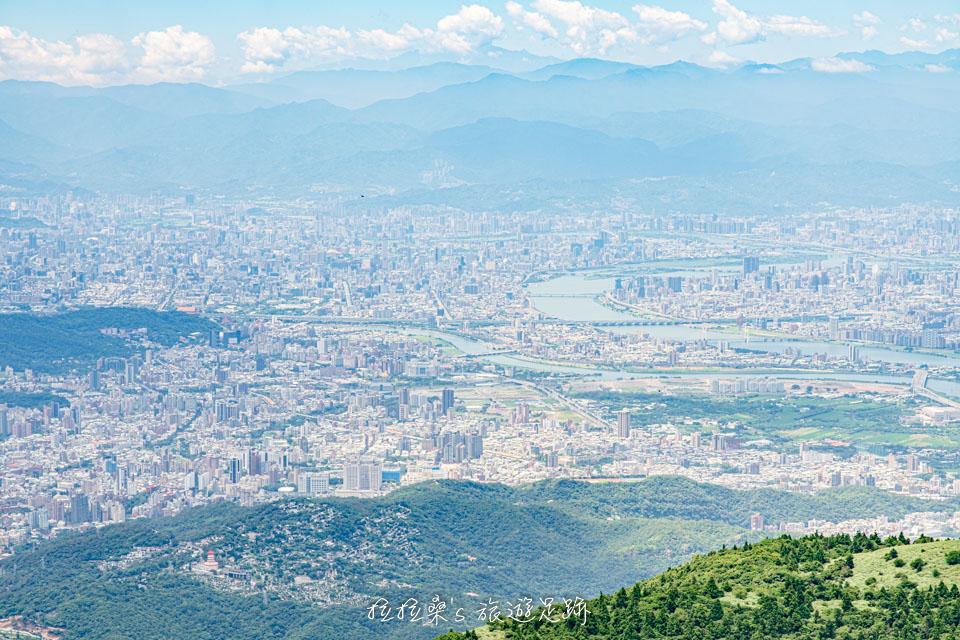 台北大屯山連峰步道,充滿野趣的登山路線,大屯群峰、二子坪一圈O形好順路