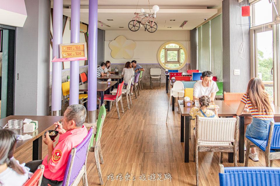 南投星月天空景觀餐廳有室內也有露天的用餐空間