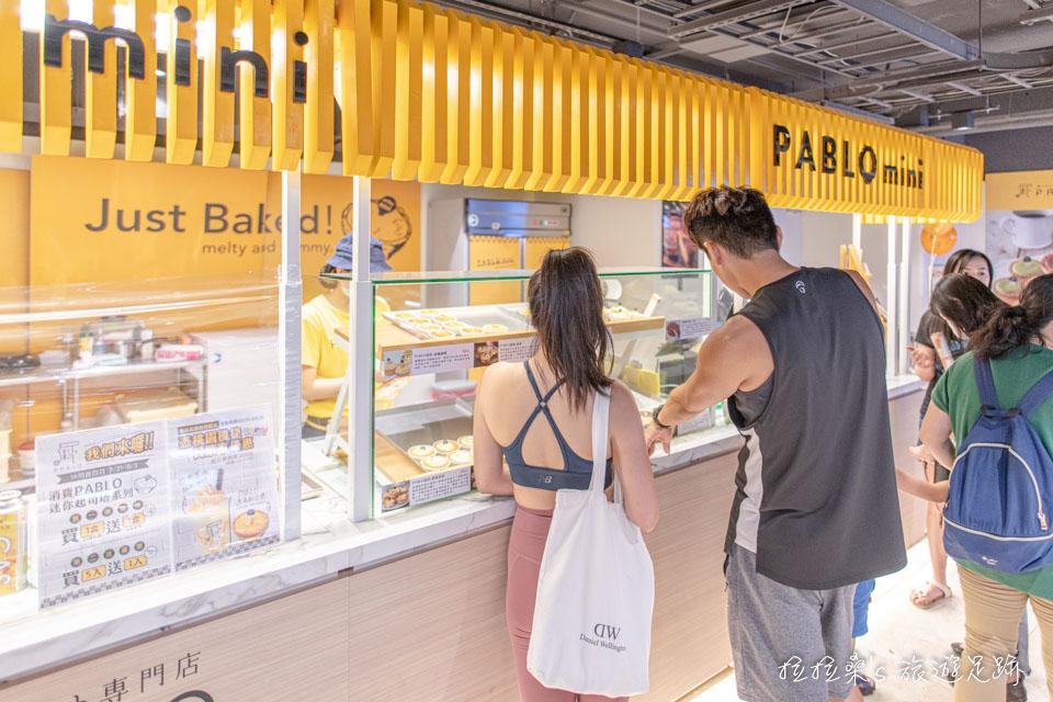 新北新莊宏匯廣場B2也有餐廳、伴手禮、甜點等