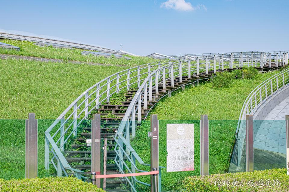 台北花博公園新生園區的青青步道封閉許久