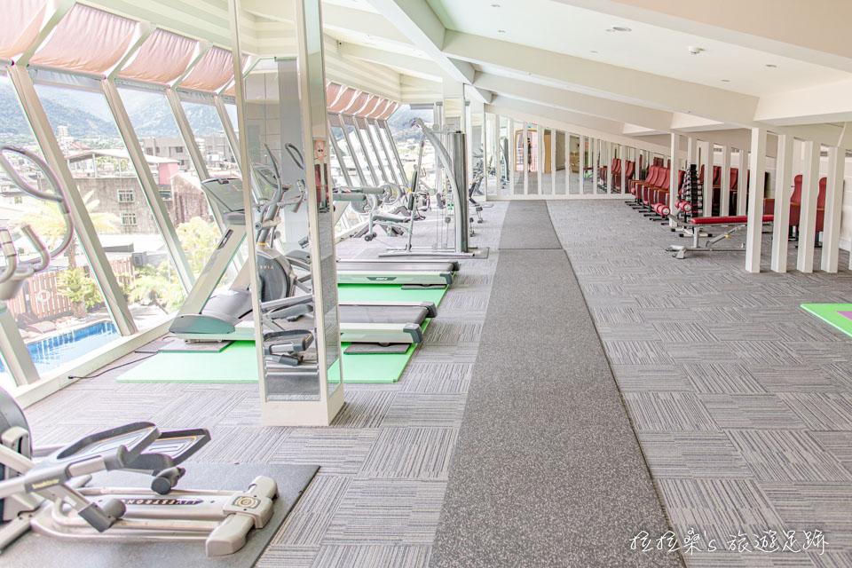 承萬渡假飯店附設的健身房