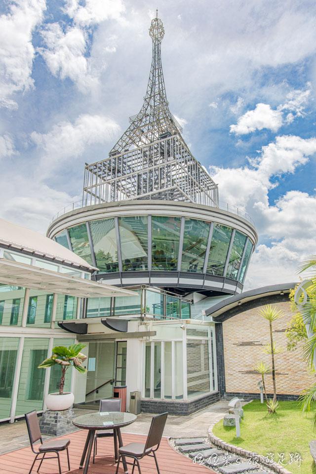 承萬渡假飯店頂樓的360度景觀餐廳