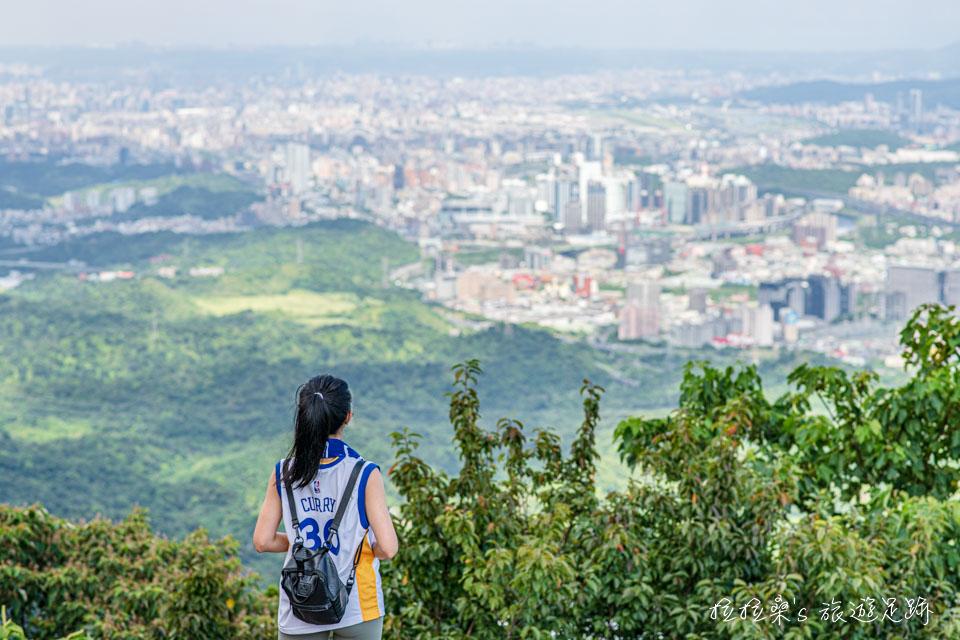 新北汐止大尖山步道,山頂展望極佳的郊山小百岳,不用半小時就能輕鬆登頂